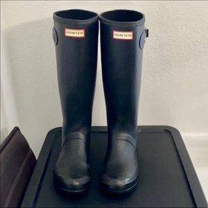 Hunter Flex tall black tall rubber rain boots 7